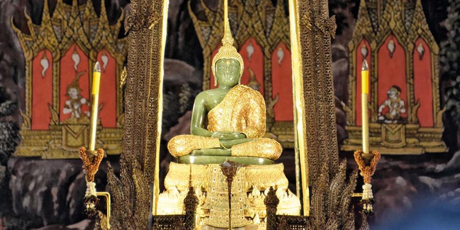 Emerald Buddha är Thailands heligaste skyddsvärn. Foto: JM Swimmer