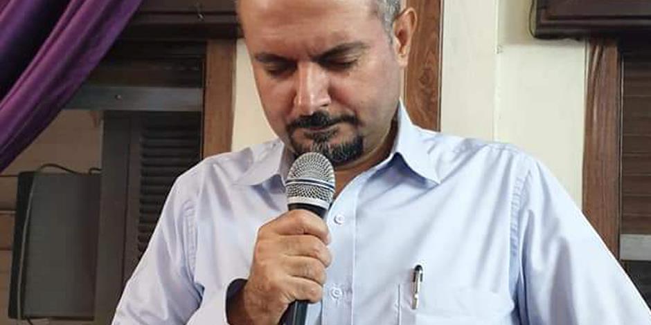 Qamishli den 22 oktober 2019. Pastor George under ett bönemöte för situationen i Syrien.