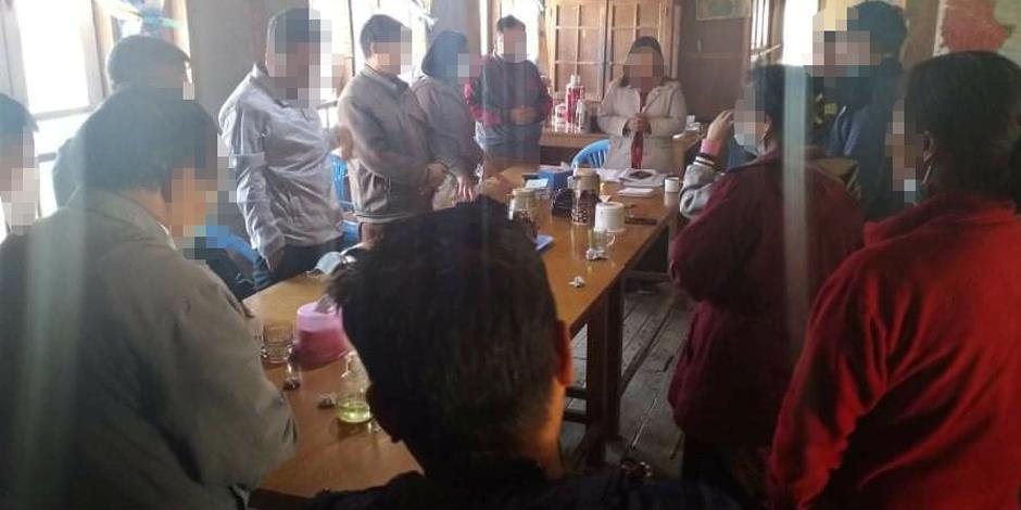 Församlingsledare i en baptistkyrka ber för situationen i sitt land.
