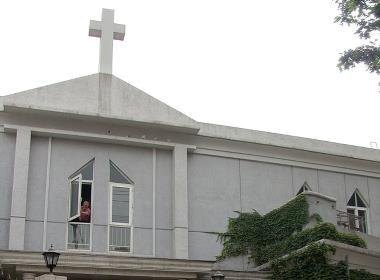 En Tre-själv-kyrka i Beijing (kyrkan har inget samband med texten).