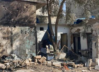 Ett av Qamishlis förstörda hus som pastor George Moushi besökte fter bombanfallet.