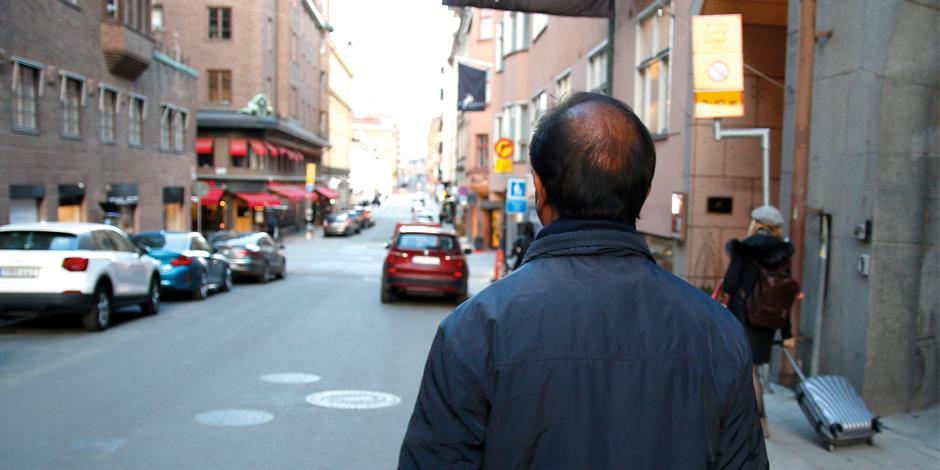 Från Indien till Östermalm i Stockholm. John Samuel hade med sig många berättelser från de kristna i sitt hemland när han besökte Sverige i våras.