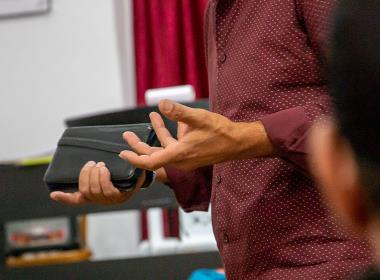 Kabils* församling såg ett stort behov av lärungaträning och började använda sig av ett material från Open Doors. I dag tränar han ett 50-tal kristna som själva leder kursen.
